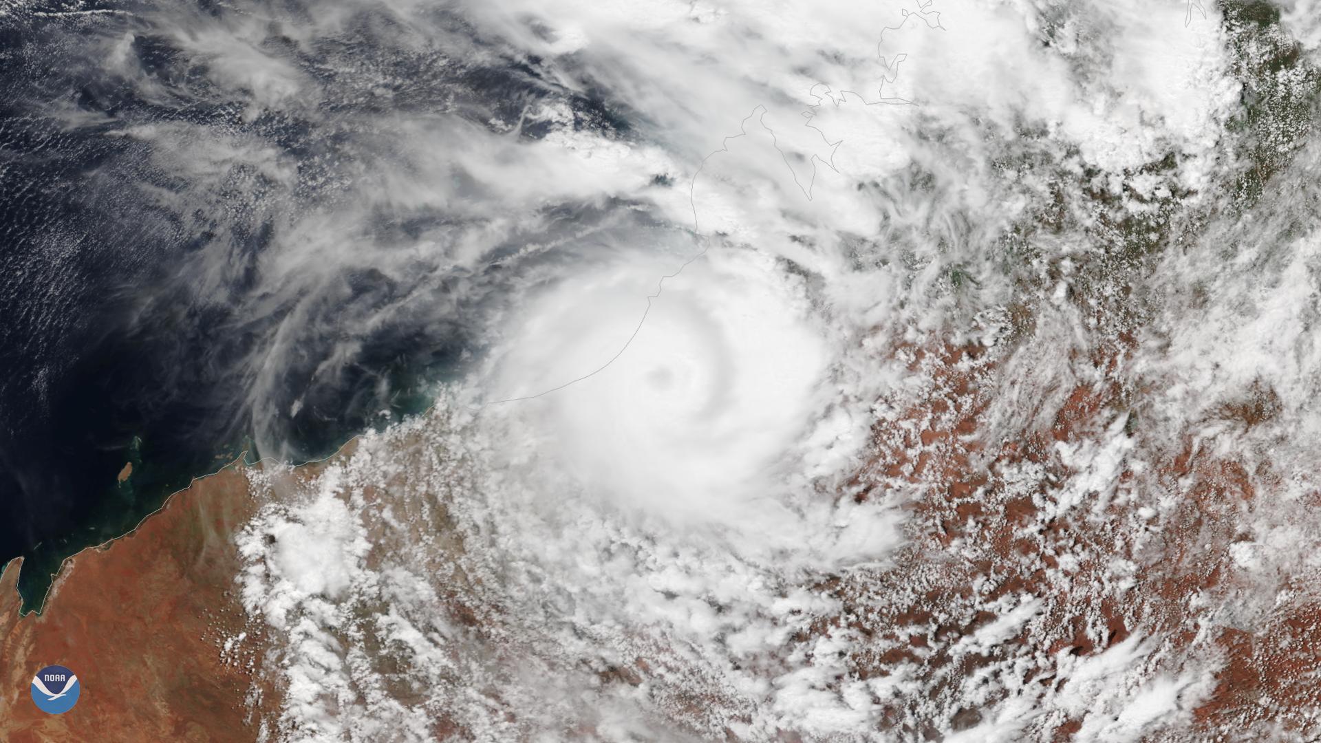 Cyclone Kelvin batters northwest Australia
