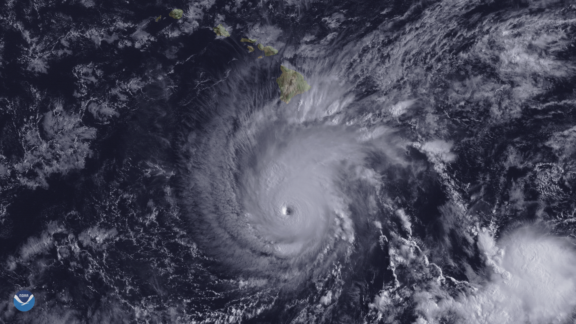Major Hurricane Lane Approaches Hawaii