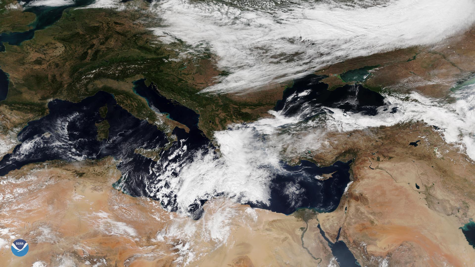 Tropical-Like Cyclone Headed for Crete and Greece